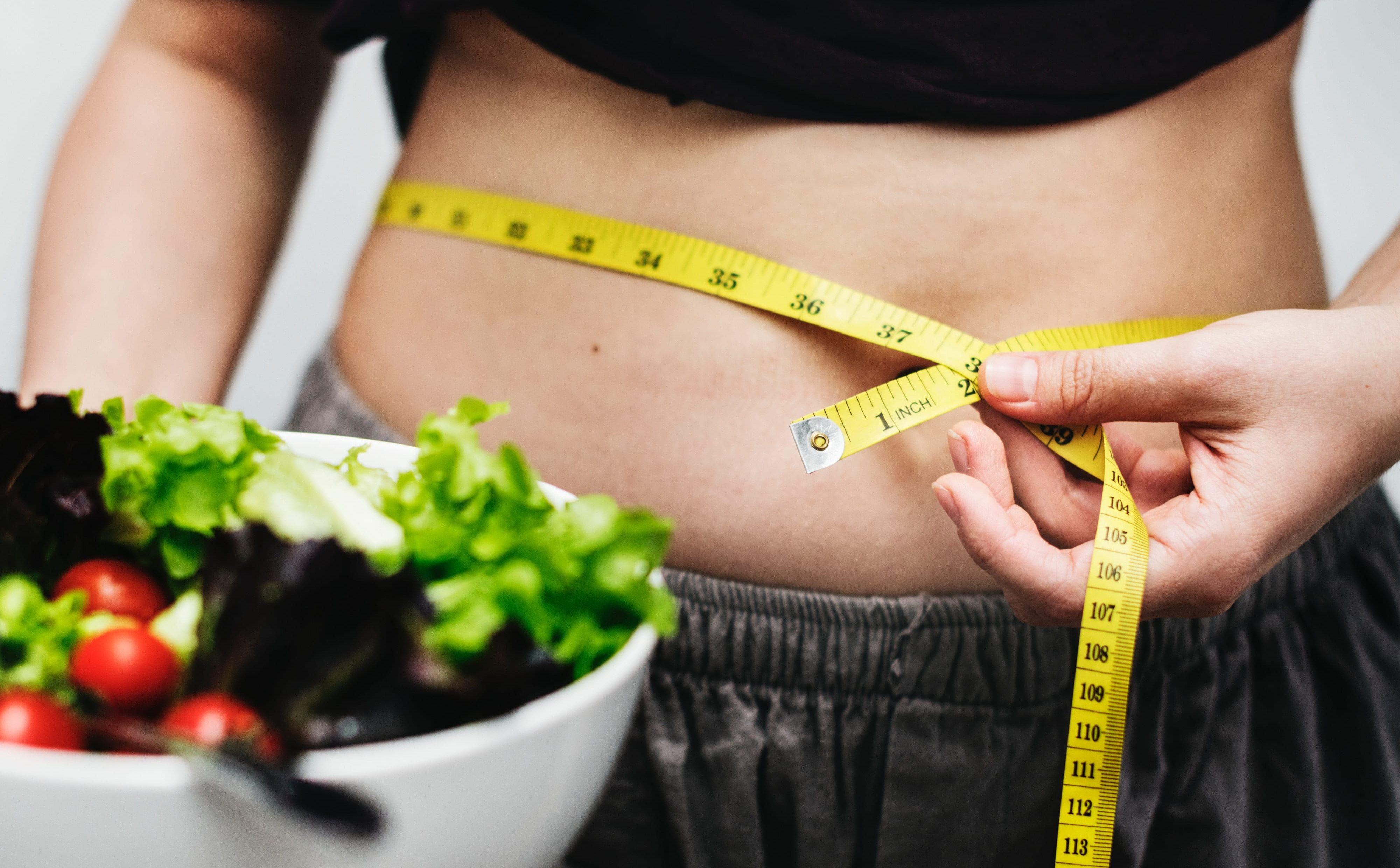 Come perdere peso velocemente: i consigli per dimagrire senza farmaci